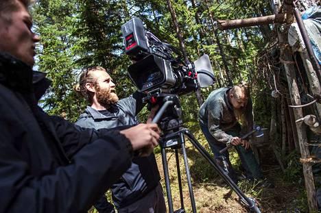 Roope Olenius ohjasi esikoiselokuvaansa vuonna 2016 Porin Ahlaisissa.