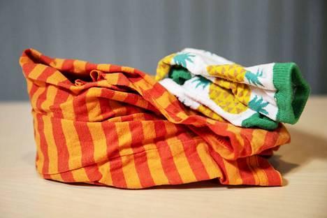 Ehjät ja puhtaat vaatteet ja tekstiilit kuuluvat kiertoon.