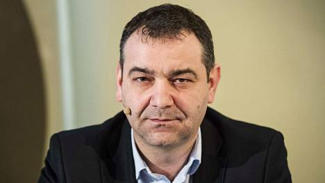 Atanas Aleksovski on Tampereen sosialidemokraattien valtuustoryhmän puheenjohtaja ja kaupunginhallituksen jäsen. Lisäksi hän on Tampereen Kotilinnasäätiön toiminnanjohtaja.