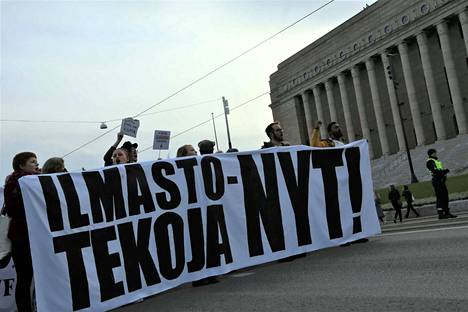 Ilmastomarssi sai tuhansia ihmisiä kadulle Helsingissä 20. lokakuuta marssimaan ilmastonmuutoksen ehkäisyn puolesta.