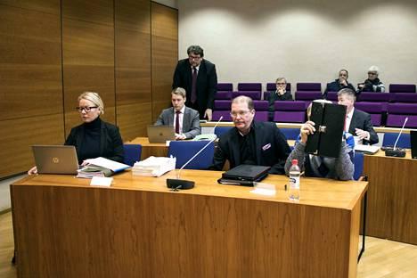 Taideväärennösvyyhden Sisä-Suomen haaraa puitiin Pirkanmaan käräjäoikeudessa jo maaliskuussa. Tuomiot siitä annettiin heinäkuussa.