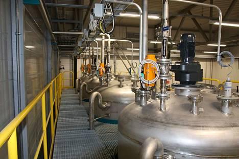 Kärsämäen tuotantolaitoksessa valmistetaan alkaliparistojen hivenaineista, sinkistä ja mangaanista, mikroravinnelannoitetta maanviljelyyn. Tehtaassa pysytään käsittelemään kaikki Suomen paristoista saatava alkalimassa.
