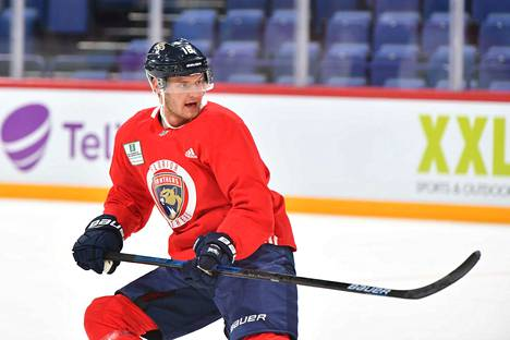 Floridan kapteeni Aleksander Barkov haluaa nostaa joukkueensa divisioonan hänniltä playoff-taisteluun.