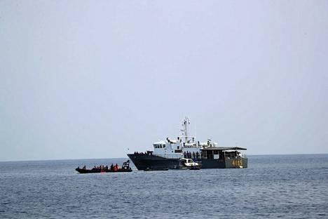 Indonesialaiset pelastusjoukot haravoivat lentoyhtiö Lion Airin maanantaisen turman onnettomuuspaikkaa keskiviikkona.
