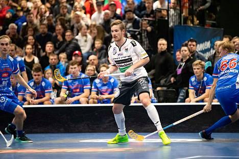 Henri Johansson nousi viime lauantaina pelatussa paikallisottelussa Classic–Nokian KrP pisteen päähän tuhannen pisteen haamurajasta kotimaan liigassa.