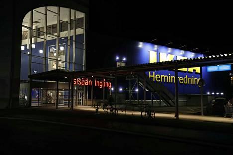 Sisä-Suomen poliisilla oli torstaina tehtävä Tampereen Ikealla. Illalla kuuden aikaan paritioita ei enää paikalla näkynyt.