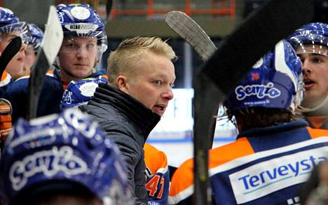 Tapparan A-nuorten valmentaja  Juha Juujärvi oli tyytyväinen, kun joukkueen selkäranka ei nitkahtanut takaa-ajoasemassa