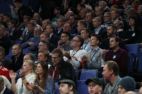 Helsingin areena oli loppuunmyyty – 13490 katsojaa.