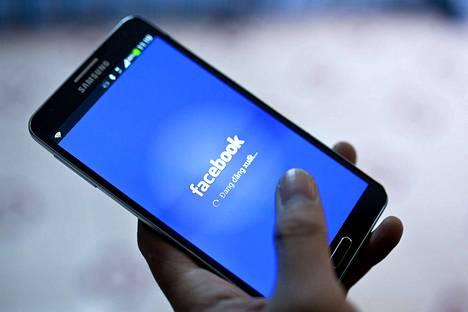 Facebook kiistää, että hakkerit olisivat onnistuneet jälleen murtautumaan käyttäjien tileille. Rikolliset ovat kuitenkin julkaisseet jo 81000 käyttäjän yksityisviestejä verkossa.