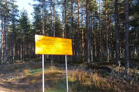 Ilmavoimien joukkokoulutuskauden päättöharjoitus järjestettiin Jämsässä Hallin lentopaikalla 24.11.–1.12.2017. Torstaina 30. marraskuuta harjoituksessa sattui räjähdeonnettomuus. Kuvituskuva.