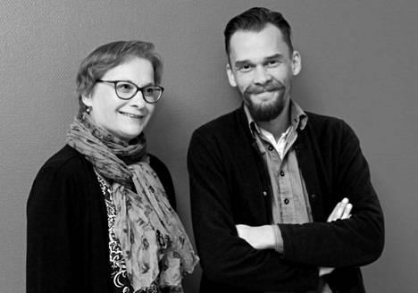 KMV-lehden toimittaja Sirkka Iso-Ettala ja uutistuottaja Jyrki Pönkkä.