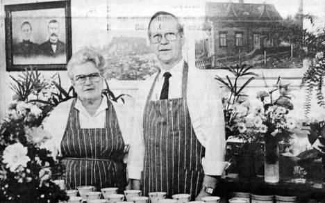 Saarimäen sisarukset Eine ja Veikko jatkavat isoisänsä aloittamaa työtä Kolhossa.