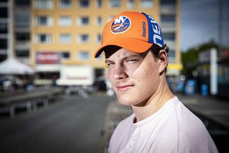 Ilves-kasvatti Otto Koivula osui ensimmäisen kerran AHL-jäillä Suomen aikaa sunnuntai-iltana.