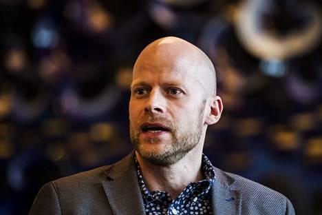 Apulaispormestari Aleksi Jäntti katsoo, että Näsijärven täytön aikaikkuna on pieni, sillä kalliolouhe on ollut tarkoitus kuljettaa paikalle suoraan Sulkavuoresta.