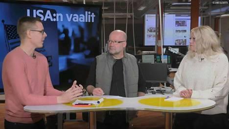 Tuomo Hyttinen (vas.), Matti Mörttinen ja Saara Tunturi keskustelevat Yhdysvaltain välivaalien tuloksista.