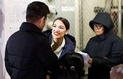 Alexandria Ocasio-Cortez on nyt kaikkien aikojen nuorin naiskansanedustaja Yhdysvalloissa. Hän äänesti New Yorkin Bronxissa.