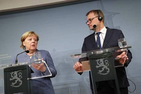 Saksan liittokansleri Angela Merkel (vasemmalla) ja pääministeri Juha Sipilä (kesk) sanoivat Suomen ja Saksan olevan yksimielisiä useimmista EU-asioista.