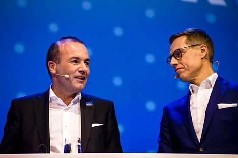 Manfred Weber ja Alexander Stubb ovat EU-myönteisiä poliitikkoja ja uskovat eurooppalaisen yhteistyön pystyvän ratkaisemaan monia ongelmia.