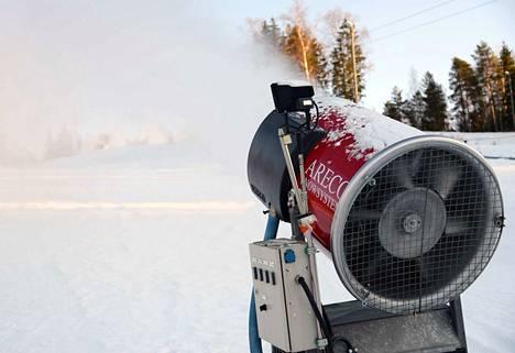 Kirjoittajan mielestä Korkiksen kautta voisi pidentää, jos rinnettä lumetettaisiin eri tavalla kuin tähän asti.