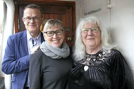 Tuomaristo valitsi Ari Leinosen, Tiina Tunturin ja Tuulamaria Kangaslammen Rannikkoseudun levikkialueen positiivisimmiksi henkilöiksi.