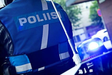 Yksi ihminen sai surmansa kahden auton nokkakolarissa Sipoossa sunnuntai-iltana. Kuvituskuva.