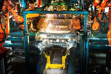 Suomessa on viime vuosina syntynyt uusia työpaikkoja varsinkin Uudenkaupungin autotehtaalle. Arkistokuva.