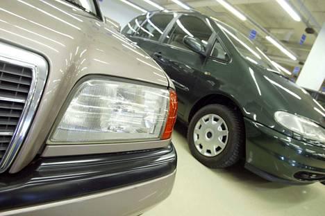 Auto-Kalliomaa toimi Porissa vuosina 1994–2009 ja oli erikoistunut käytettyjen autojen maahantuontiin erityisesti Saksasta. Arkistokuva vuodelta 2004.