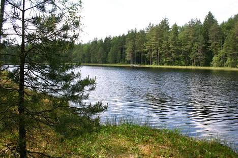 Makkarajärvi jää yleiseksi vesialueeksi, mutta sitä ympäröivä metsä on nyt rauhoitettu.
