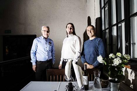Speakeasyn Sami Esmaili (vas.), ravintolapäällikkö Wäinä Järvelä ja salipäällikkö Gerardo de Angelis avaavat uuden il Siciliano -ravintolan Finlaysonilla parin viikon sisällä.