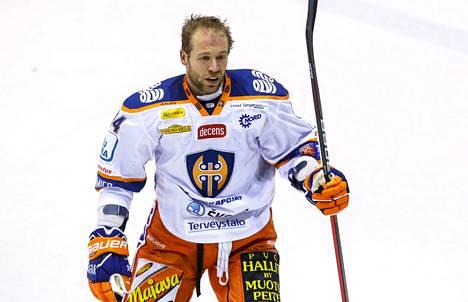 Ben Blood pelasi runsaat 16 minuuttia Tapparan pakistossa Mikkelissä.