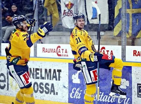 Lukko (kuvassa Eetu Koivistoinen ja Aaro Vidgren) on saanut viime viikkoina tuulettaa.