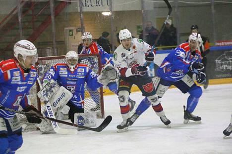 KeuPa HT:n maalivahti Paavo Hölsä antoi joukkueelle mahdollisuuden voittoon hyvillä torjunnoillaan.