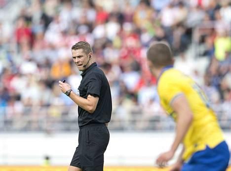 Mattias Gestranius oli tuomarina, kun Arsenal ja Manchester City kohtasivat harjoitusottelussa Helsingin olympiastadionilla elokuussa 2013.