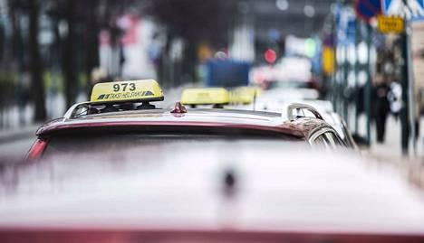 Taksin Hinta