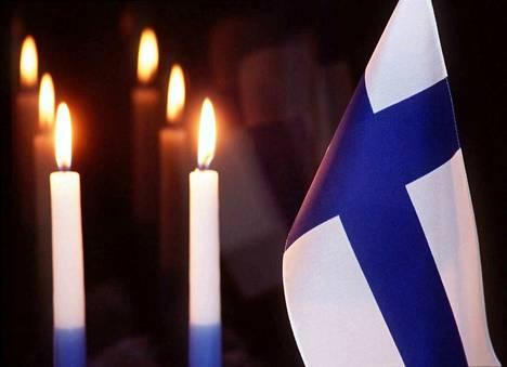 Perinteisesti ikkunalaudalle on laitettu itsenäisyyspäivänä kaksi sinivalkoista kynttilää. Otimme selvää miksi.