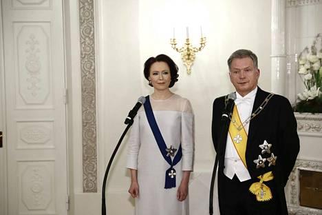 Presidentti Sauli Niinistö ja Jenni Haukio tapasivat mediaa ennen Linnan juhlien alkua.