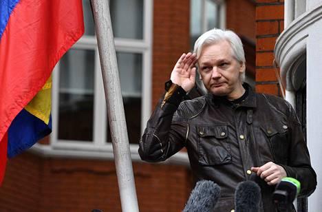 Ecuadorin suurlähetystössä Lontoossa pakoillut Julian Assange saattaa päästä lähitulevaiduuessa vapauteen.