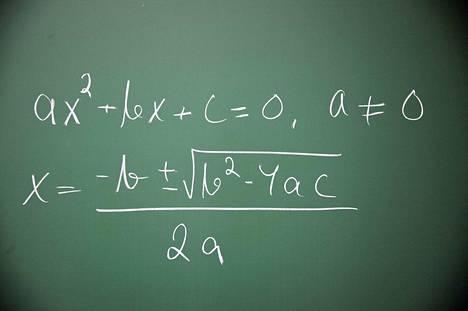 Kansallisen koulutuksen arviointikeskuksen tutkimuksen mukaan lähes 80 prosenttia ammattikoulutuksen opiskelijoista on matematiikassa alimmalla osaamisen tasolla.