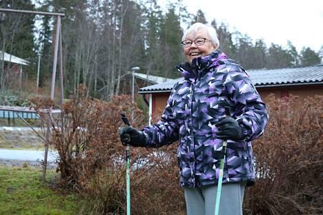 Maila Paukamainen on monelle hiihtäjälle tuttu Pykälän majan myyntitiskin takaa. Mehunkeittäjänä hänellä on takanaan jo useampi vuosikymmen.