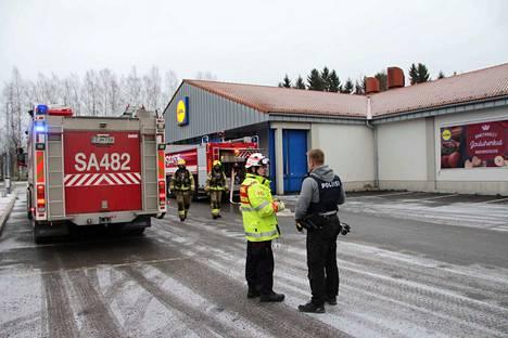 Palokunta sai pullovarastossa syttyneen tulipalon nopeasti taltutettua.