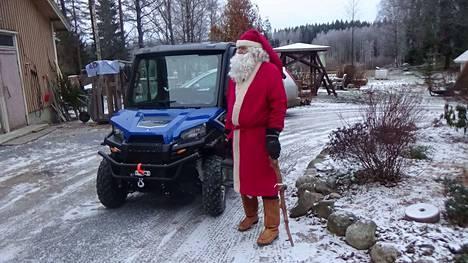 Lumenpuutteen vuoksi joulupukki on varautunut tällaiseen menopeliin.