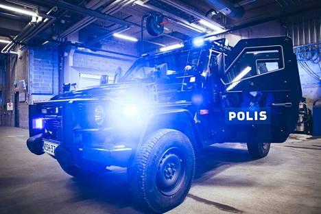 Poliisi on hankkinut käyttöönsä uusia luotisuojattuja ajoneuvoja. Hevi-kutsumanimellä tunnettuja autoja hankitaan kaikkiaan 15 Suomeen.
