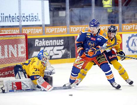 Oskari Setänen oli maalilla, kun Lukko voitti Tapparan kotonaan 4–2.