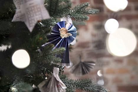 Heimo Hietanen muistelee joulukuuseen liittyvää joulumuistoaan.