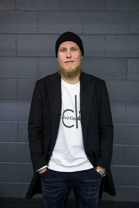 Patrik Laine kertoi urastaan NHL:ssä Aamulehden toimittajalle Lauri Lehtiselle. Tesoman tykin parhaaksi ystäväksi Winnipegissä paljastui tanskalainen Nikolaj Ehlers.