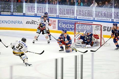 Kärppien Aleksi Mäkelä teki uransa suurimman maalin, kun hän liigan kuudennessa finaalissa laukoi 1–0-voittomaalin. Tapparan kausi 2018 päättyi lievään pettymykseen, hopealle.