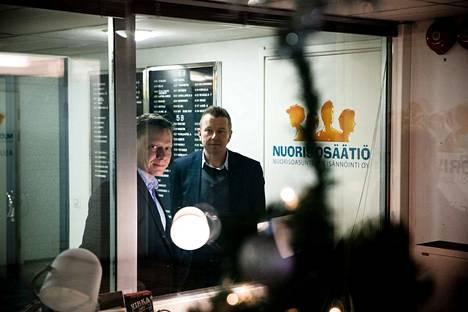 Nuorisosäätiön hallituksen puheenjohtaja Jari Laine (vasemmalla) ja toimitusjohtaja Kimmo Pihlman ovat selvittäneet kesästä saakka säätiön entisen johdon tekemiä liiketoimia.