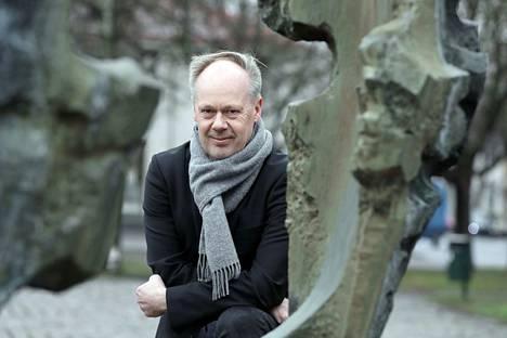 Uskottava se on. Aluetutkija Timo Aro on käyttänyt joulupukkitutkimuksessaan lähteenä Korvatunturin lahjapajaa.