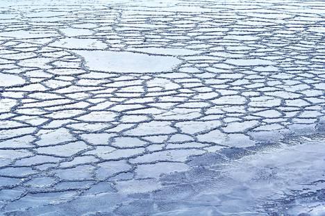 Meren jäätymisessä alkaisi nyt Pohjanlahdella nyt tapahtua, mutta joulun jälkeen lauhtuva sää saattaa muuttaa tilanteen.
