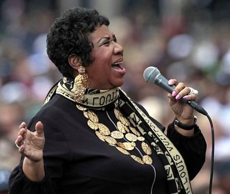 Rispektiä! Aretha Franklin teki pitkän ja mahtavan uran laulaja. Siitä olivat tunnustuksena muun muassa yli 75 miljoonaa myytyä levyä, tunnetuimpana hittinä Respect, ja 18 Grammy-palkintoa.